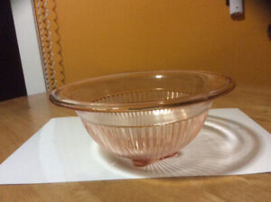 Pink depression glass bowl by Federal Glass