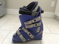 Atomic CarveX Ladies Ski Boots size 25 or 7