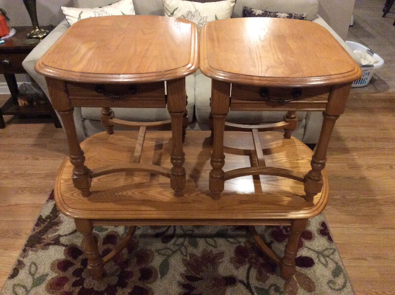 Solid oak coffee table with two matching end tables coffee tables yarmouth kijiji Matching coffee table and end tables