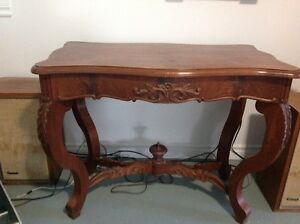 Table basse victorienne