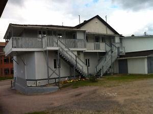Immeuble de 8 logements a St-Siméon de charlevoix Saguenay Saguenay-Lac-Saint-Jean image 2