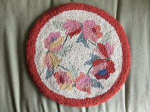 Chair seat cover - hooked flower pattern