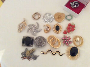18 Lovely Vintage broaches in perfect condition all for $50.00