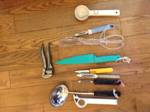 CHEF'S COLLECTION OF KITCHEN TOOLS