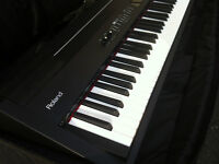 Roland FP-7 with stand & gig case