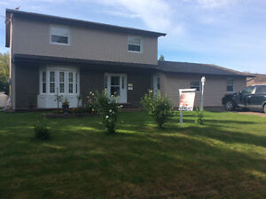 2 StoryMultigenerational Home (5) Mins to Beaches & Glof Course
