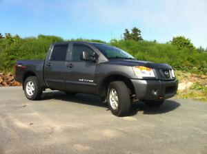 2011 Nissan Titan Pro4X Pickup Truck