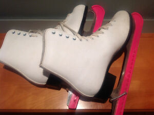 Women's size 10 Skates and guards