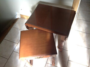 Drop leaf end table/nest with a glass top