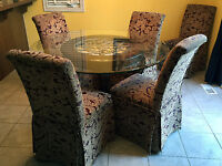 Beautiful Dinette Set -moving sale it needs to go ASAP.