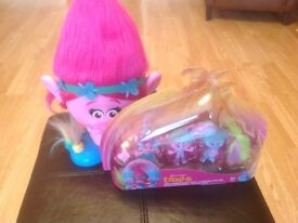 Trolls Poppy Hairdressing Head & set 4 Mini Trolls