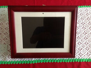 Digital picture frame 13x10 size