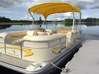 Bennington Pontoon Boat