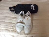 Ladies golf shoes size 51/2 plus bag