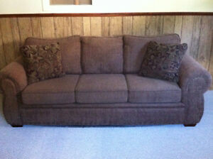 Couch for sale Kawartha Lakes Peterborough Area image 1