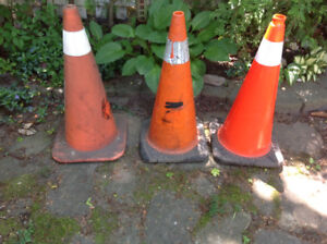 TRAFFIC CONES/PYLONS