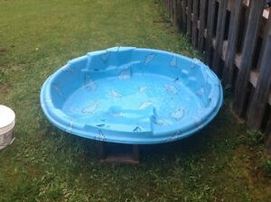 Pelican Kids Pool