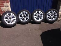 Genuine Mercedes alloys and excellent Michelin tyres