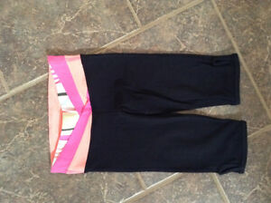 Ivivva by Lululemon black crop pants size 4