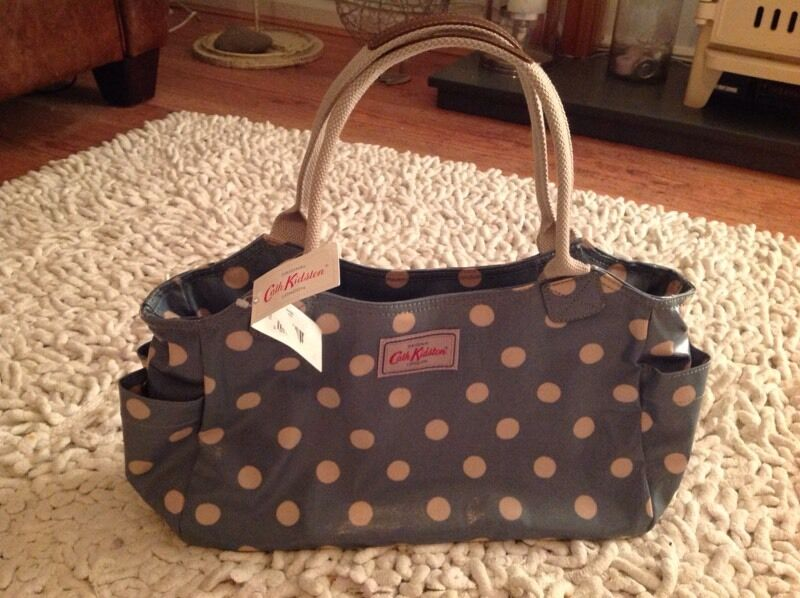Cath Kidston Day Bag Green Button Spot New With Tagin York, North YorkshireGumtree - Cath Kidston green button spot Day Bag. New with tag. Bargain would make lovely Christmas pressie