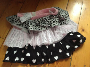 Girls Brand New Children's Place skirt-size 4T
