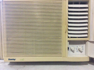 Window air conditioner - works well