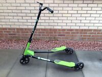 FliKER F5 kids scooter (green and black)