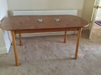 Oak Dining Table In Very Good Condition