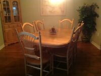 Mennonite Furniture Single Pedestal Table, Chairs, China Cabinet