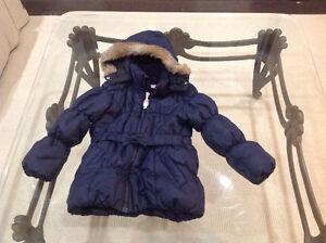 Girls size 4 puffer jacket H&M