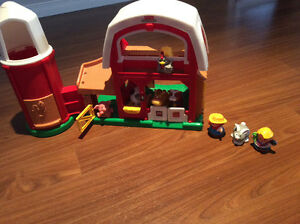 Ferme little people fisher price et animaux