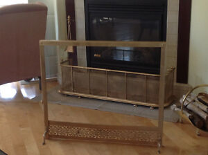 Decorative fireplace screen stand