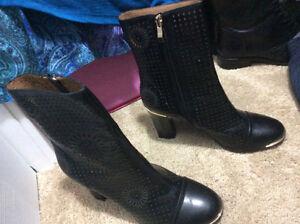 Stunning Design Black Leather Boots