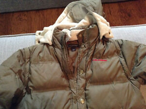 Boys Tommy Hilfiger winter jacket-size 7(fits more like 5/6)