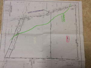 Building lot, close to city limits. 15 min. from county fair.