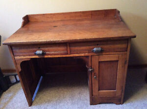 Antique pine lawyer's/student's desk