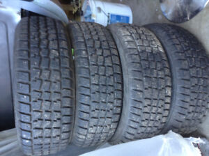 Avalanche X-Treme Winter Tires - 215 60r 16 Like New!