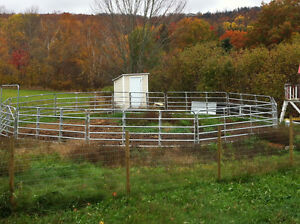 40 Ft. Galvinized round pen with gate