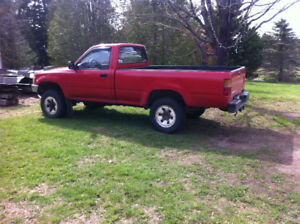 1990 toyota truck 4x4, good running shape