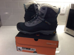 Boots - Merrell Thermo Arc8 - size 10 women - brand new