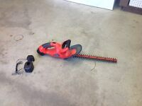 B&D portable hedge trimmer + battery charger