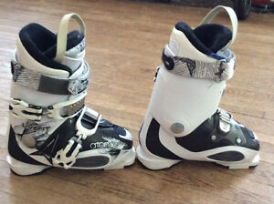 Barely used Atomic Live Fit Ski Boots
