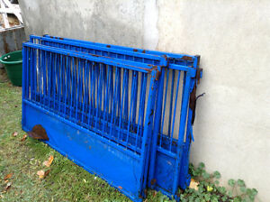 Metal fence panels (6)