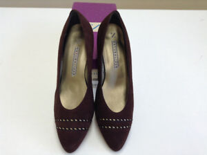 Naturalizer Genuine Leather Suede Shoes – Size 9 – Almost New