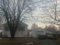 3 Bedroom Home with Sunroom, Large Lot, Garage, Lots Of Parking