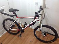 Bike On one the luhlppet carbanfau*****£250