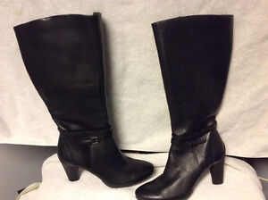 LEATHER DRESS BOOTS