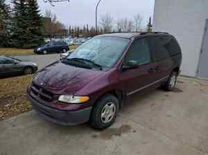 1998 dodge caravan, runs and drives , affordable winter vehicle