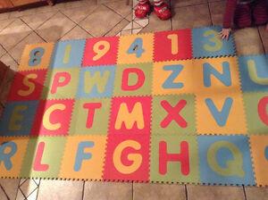 tapis mousse sol alphabet