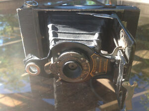 VINTAGE KODAK NO.2 FOLDING AUTOGRAPHIC BROWNIE CAMERA